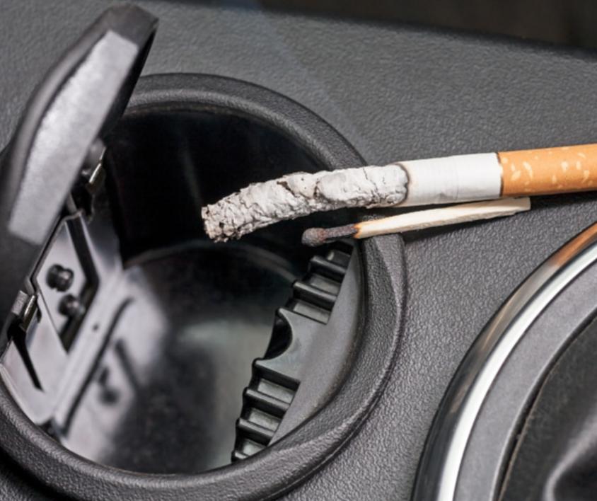 κάπνισμα στο αμάξι