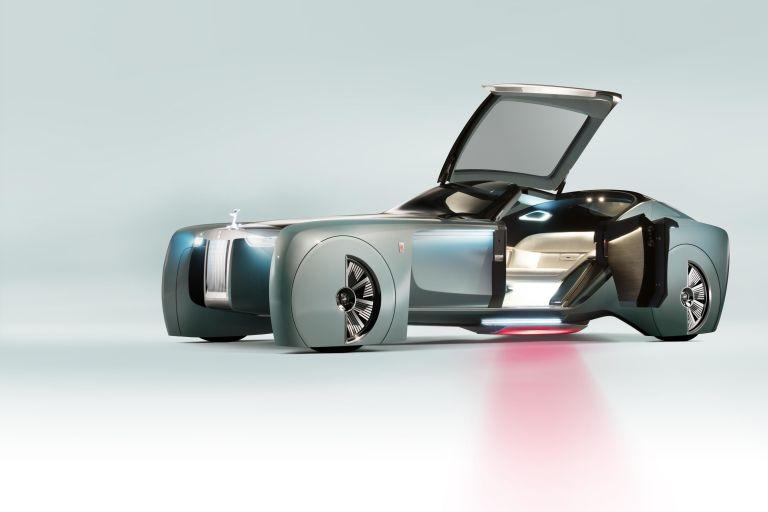 Ταξίδι στο μέλλον με τη Rolls-Royce