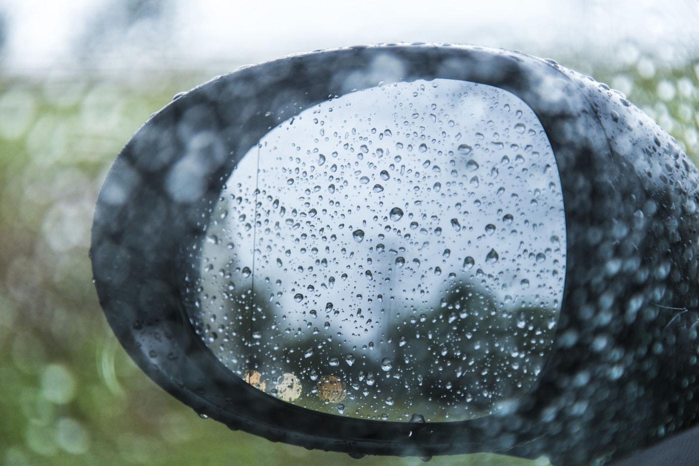 Οδήγηση στη βροχή