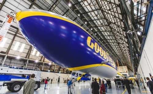 goodyear-blimp-zeppelin-photo-581025-s-986x603